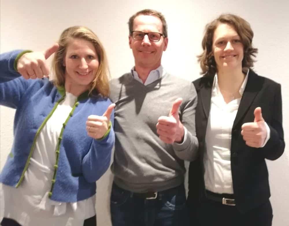 Die vom dvct neu zertifizierten Trainer und Trainerinnen in den Räumen in Augsburg von Competence on Top